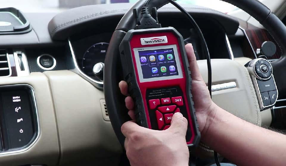 use an obd2 scanner