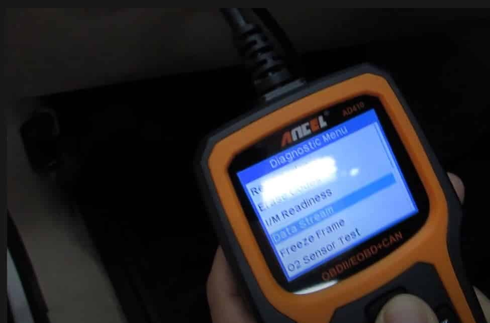 clear OBD2 codes with a scanner